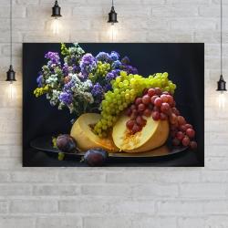 Натюрморт: дыня, виноград и сливы